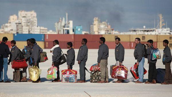 Иностранные беженцы в порту Бенгази