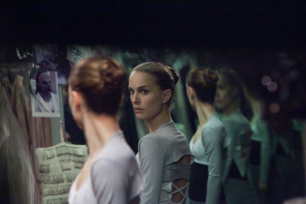 Кадр из фильма Даррена Аронофски Черный лебедь
