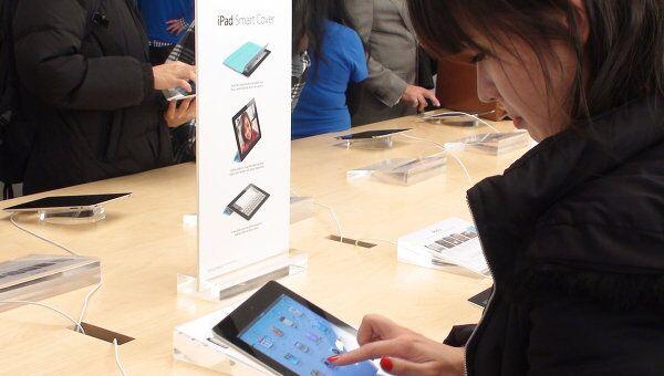 Новый iPad 2 покупают активнее, чем дебютную модель планшета