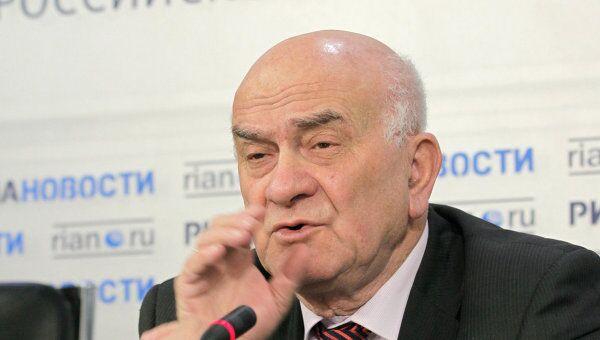 Научный руководитель Высшей школы экономики Евгений Ясин. Архив