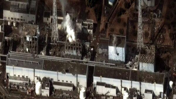Спутниковая съемка последствий землетрясения на АЭС Фукусима-1, 16 марта 2011 г.
