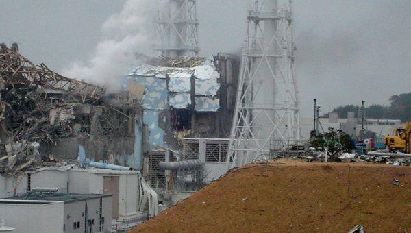 Поврежденные реакторы (3, 4) АЭС Фукусима-1 в Японии, 15 марта 2011 г.