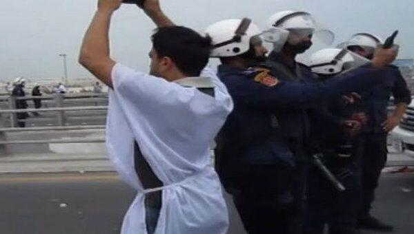 Военные применили оружие против манифестантов в Бахрейне