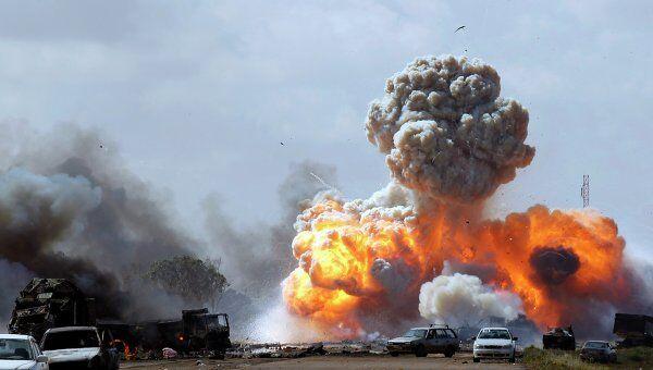 Авиаудар по верным Каддафи силам