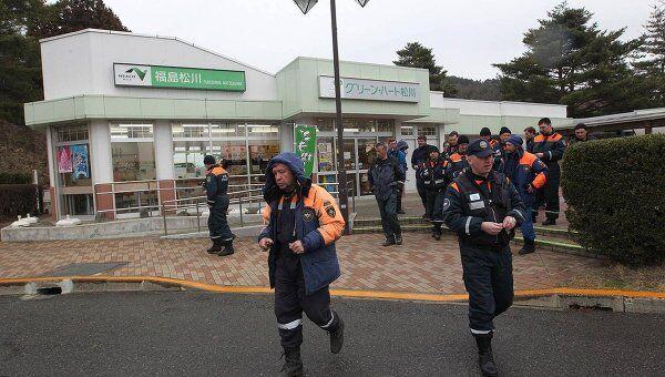 Работа спасателей МЧС России на месте землетрясения в Японии