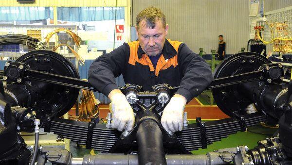 Работа автомобильного завода Урал. Архивное фото