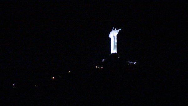 Статуя Христа-Искупителя в Рио-де-Жанейро погасила огни в Час Земли