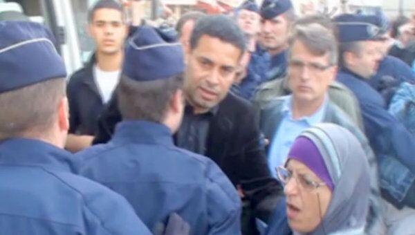 Французская полиция задерживала протестующих под прицелом телекамер
