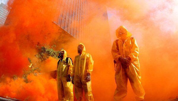 Активисты Greenpeace инсценировали атомное ЧП в центре Рио-де-Жанейро