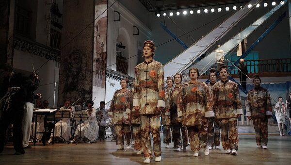 Сцена из спектакля Оперетта понарошку