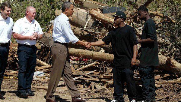 Барак Обама посетил пострадавший от торнадо город в штате Алабама