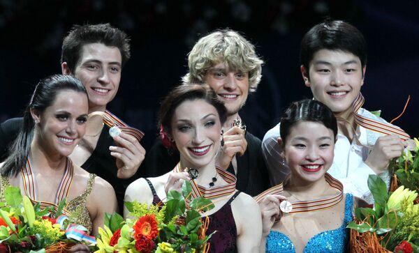 Тесса Верчу, Скотт Мойр,  Мэрил Дэвис, Чарли Уайт, Майя и Алекс Шебутани (слева направо)