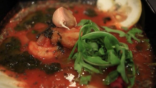 Томатный суп с креветками. Видеорецепт