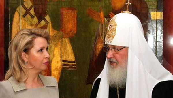Светлане Медведевой и патриарху Кириллу показали шедевры Святой Руси