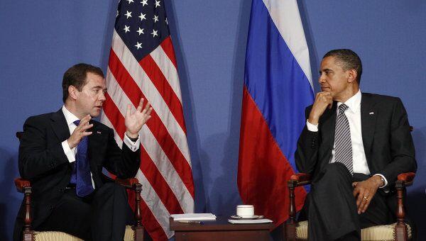 Встреча Брака Обамы и Дмитрия Медведева на саммите G8 в Довиле