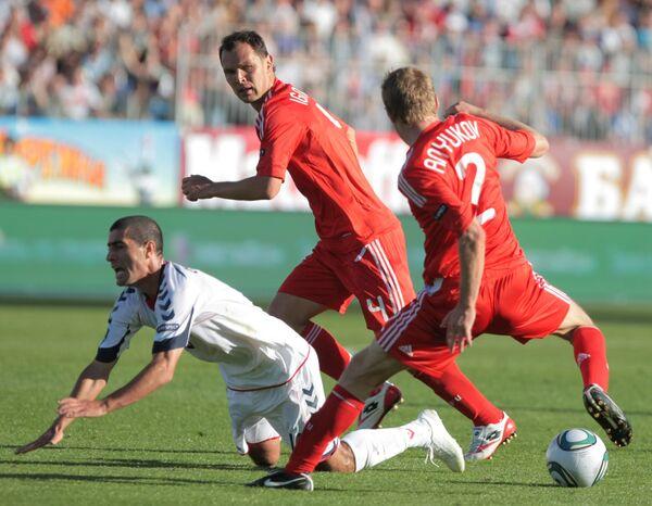 Игровой момент матча Россия - Армения