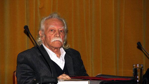 Манолис Глезос, архивное фото