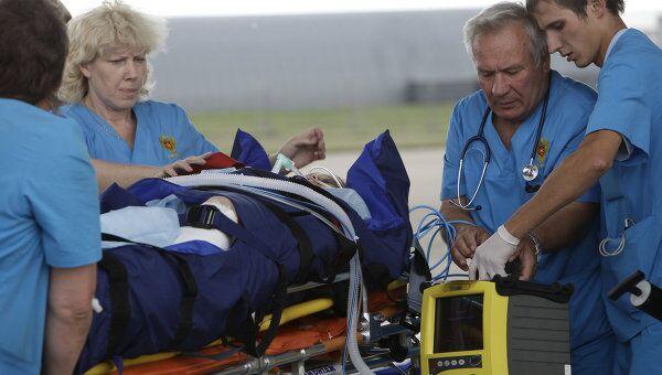 Встреча самолета МЧС с пострадавшими в авиакатастрофе в Петрозаводске на аэродроме Раменское