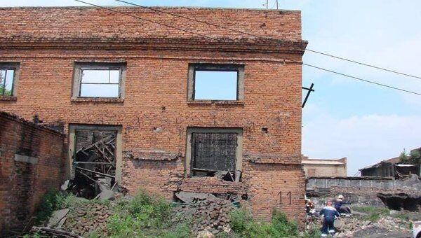 Обрушение стены во Владивостоке