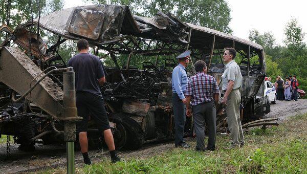 Последствия столкновения пассажирского автобуса с КАМАЗом в Новосибирской области