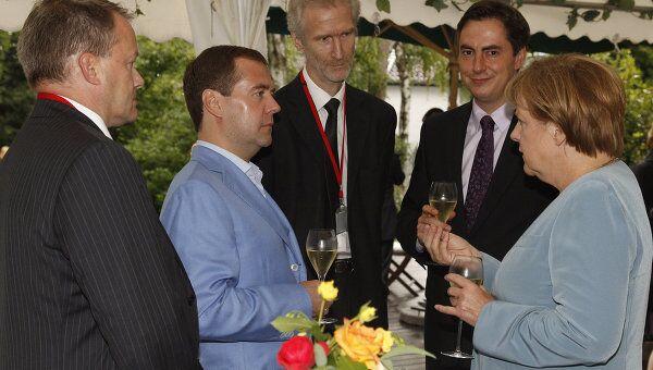 Президент России Дмитрий Медведев и канцлер ФРГ Ангела Меркель провели рабочую встречу в Ганновере