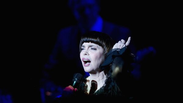 Французская певица Мирей Матье. Архив