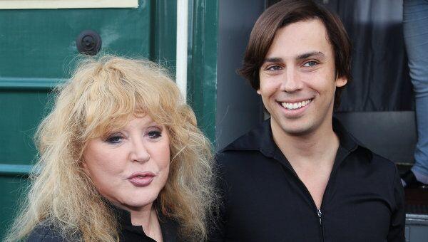 А.Пугачева и М.Галкин прибыли на конкурс Новая волна 2011