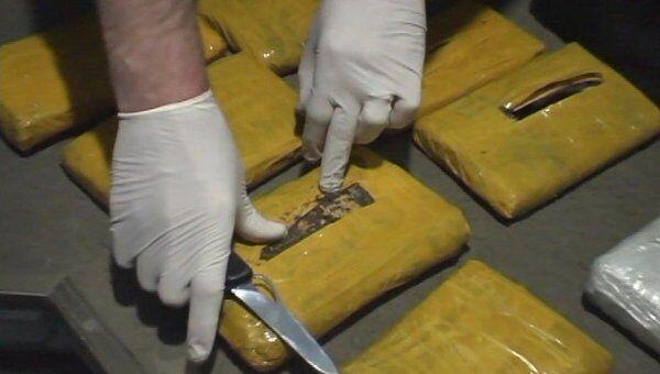 Изъятие наркотиков. Архив