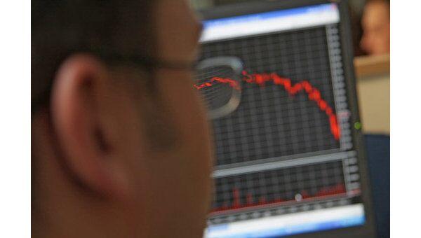 Индекс РТС снизился в понедельник более чем на 5% в рамках коррекции