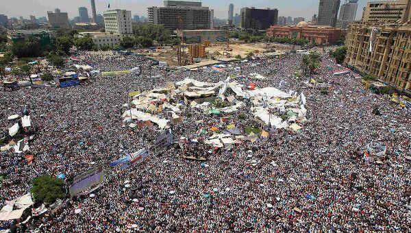 Тысячи демонстрантов собрались на площади Тахрир в Каире 29 июля 2011 года