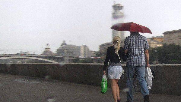 Дождь в Москве. Архив