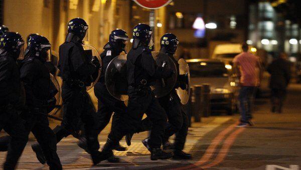 В районе Тоттенхэм на севере Лондона вспыхнули беспорядки