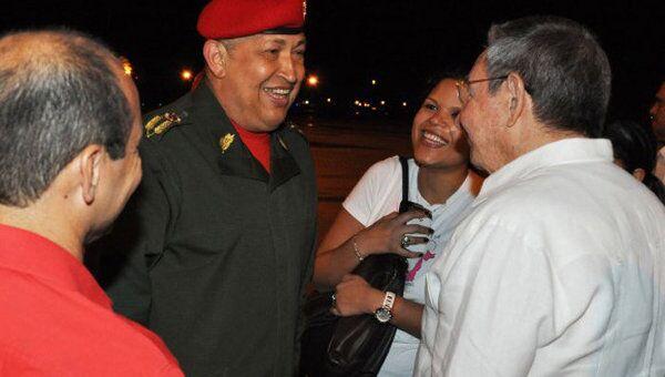 Уго Чавес прибыл на Кубу для прохождения курса химиотерапии