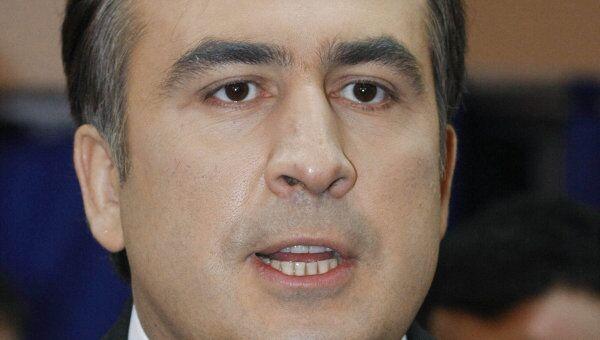 Администрация Саакашвили опровергает информацию о том, что в него кинули ботинок