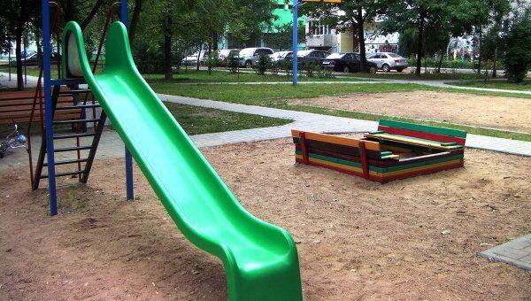Детская площадка. Архив