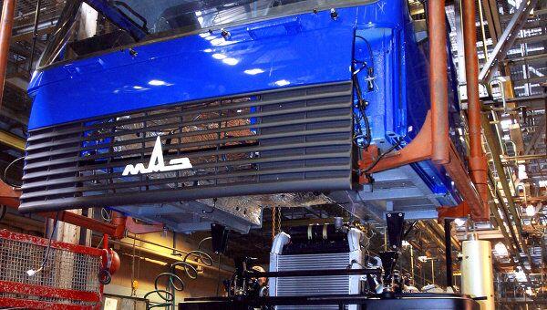 Сборка автомобилей Маз, архивное фото