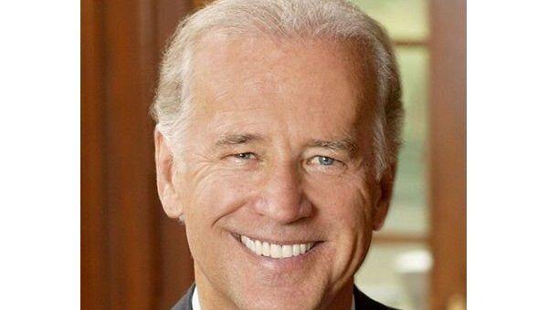 Теледебаты кандидатов в вице-президенты США выиграл Байден