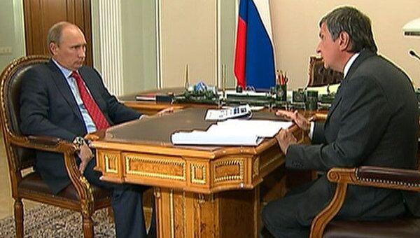 Путин потребовал ускорить подписание контрактов по гособоронзаказу