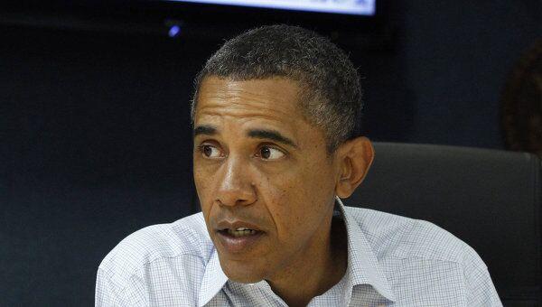 Барак Обама проводит совещание по поводу урагана Айрин. Архив