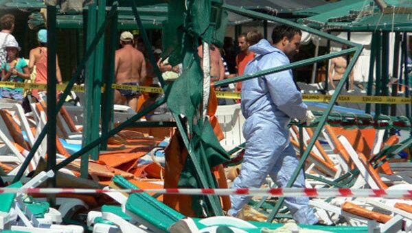 Россияне пострадали при взрыве на пляже в турецком Кемере