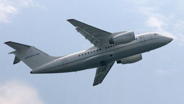 Полет самолета Ан -148. Архив