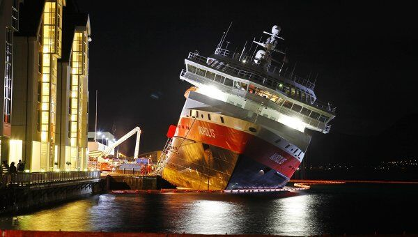Последствия пожара на борту круизного лайнера Нордлис компании Хуртирута в Норвегии