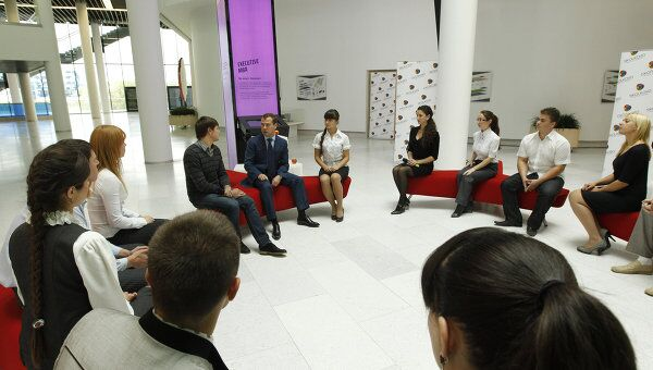 Президент РФ Д.Медведев посетил МШУ Сколково