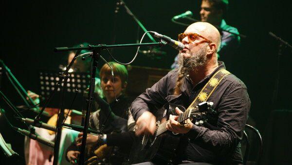 Борис Гребенщиков во время концерта «Аквариум International»