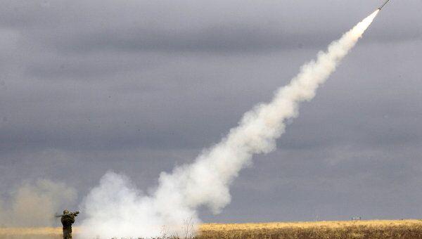 Запуск зенитной ракеты. Архив