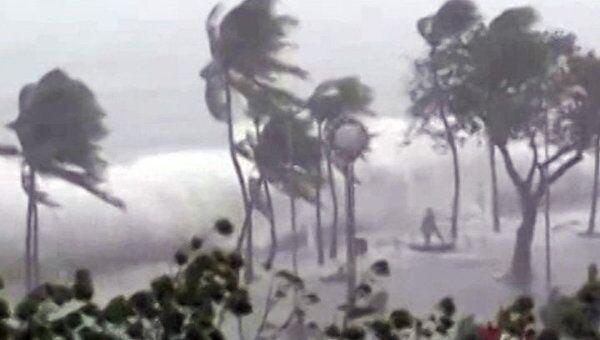 Тайфун Нисат принес ливни и трехметровые волны, которые затопили столицу Филиппин