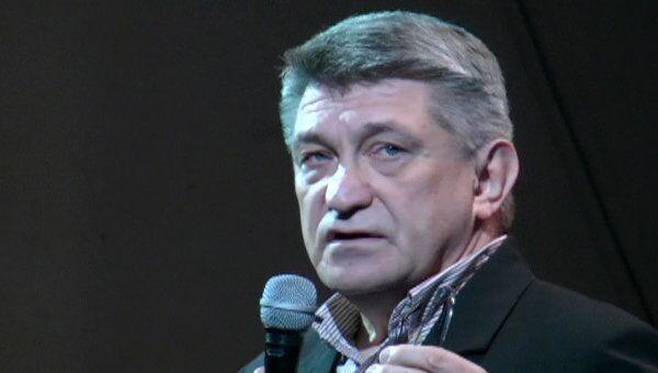 Сотни зрителей стоя аплодировали Сокурову на российской премьере Фауста