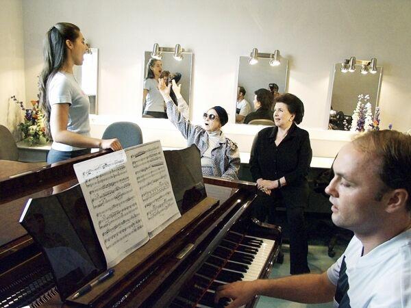 На занятиях в Центре оперного пения Галины Вишневской
