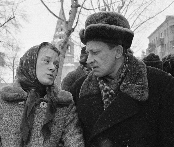 Актеры Евгений Евстигнеев и Валентина Талызина