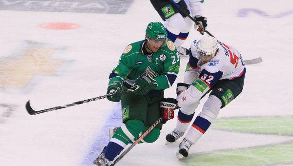 Игровой момент матча Салават Юлаев - СКА